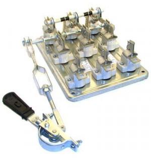 Рубильник со смещен.приводом РПС 4/1Л 400А (без ПН) рукоятка слева керамические изоляторы